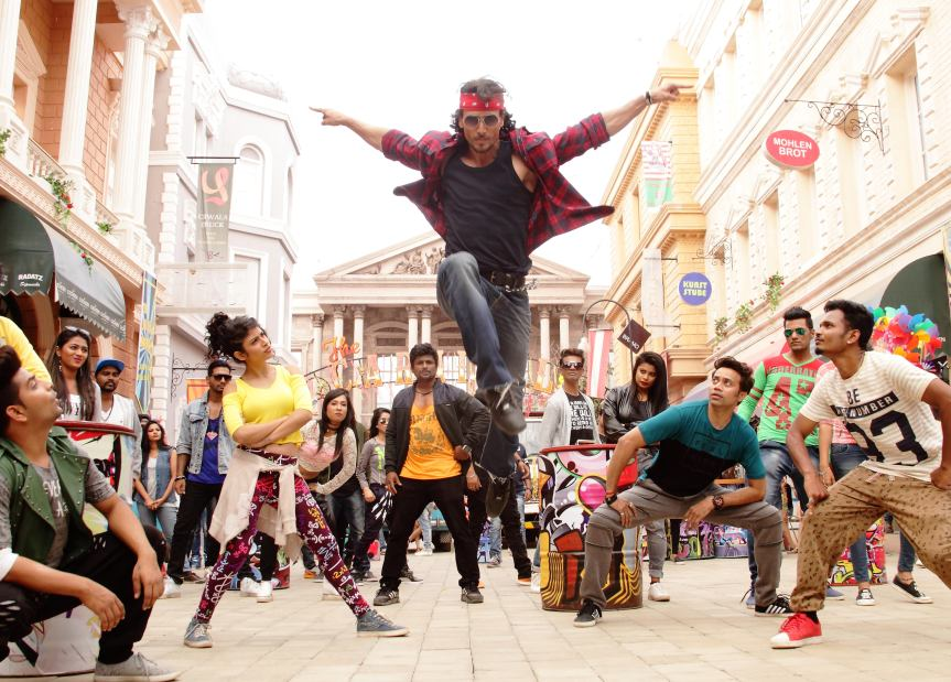 Tiger Shroff pays tribute to his dad Jackie in Munna Michael's new song DingDang!